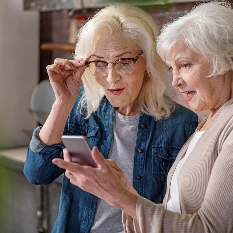 anziani-smartphone